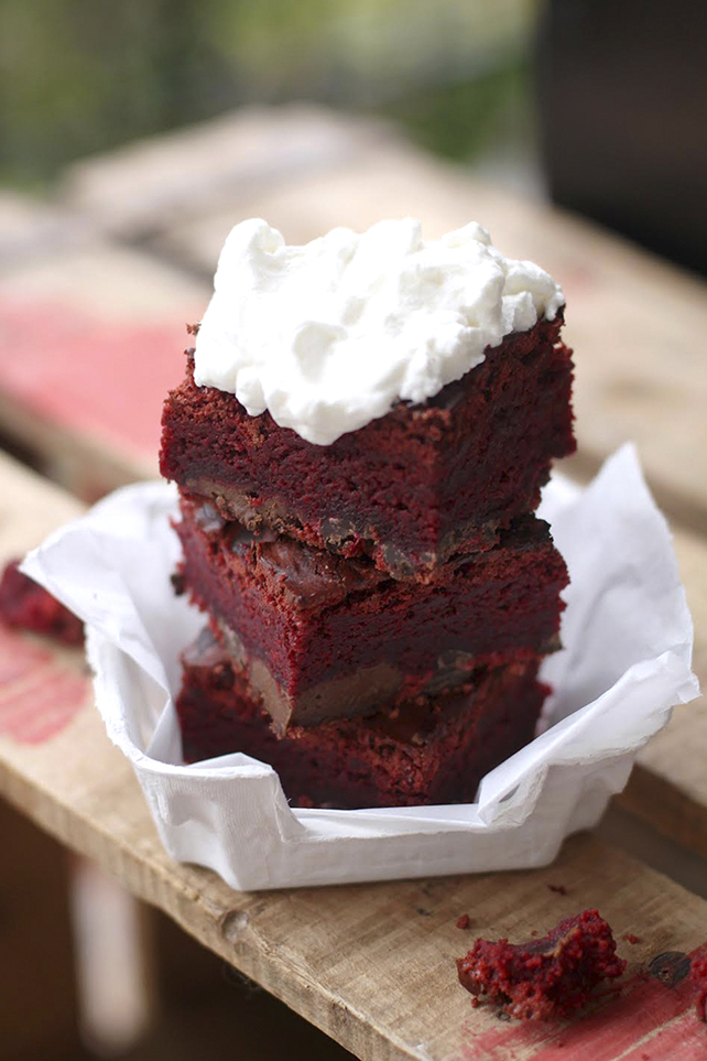 Red Velvet Brownies Forn Can Coves